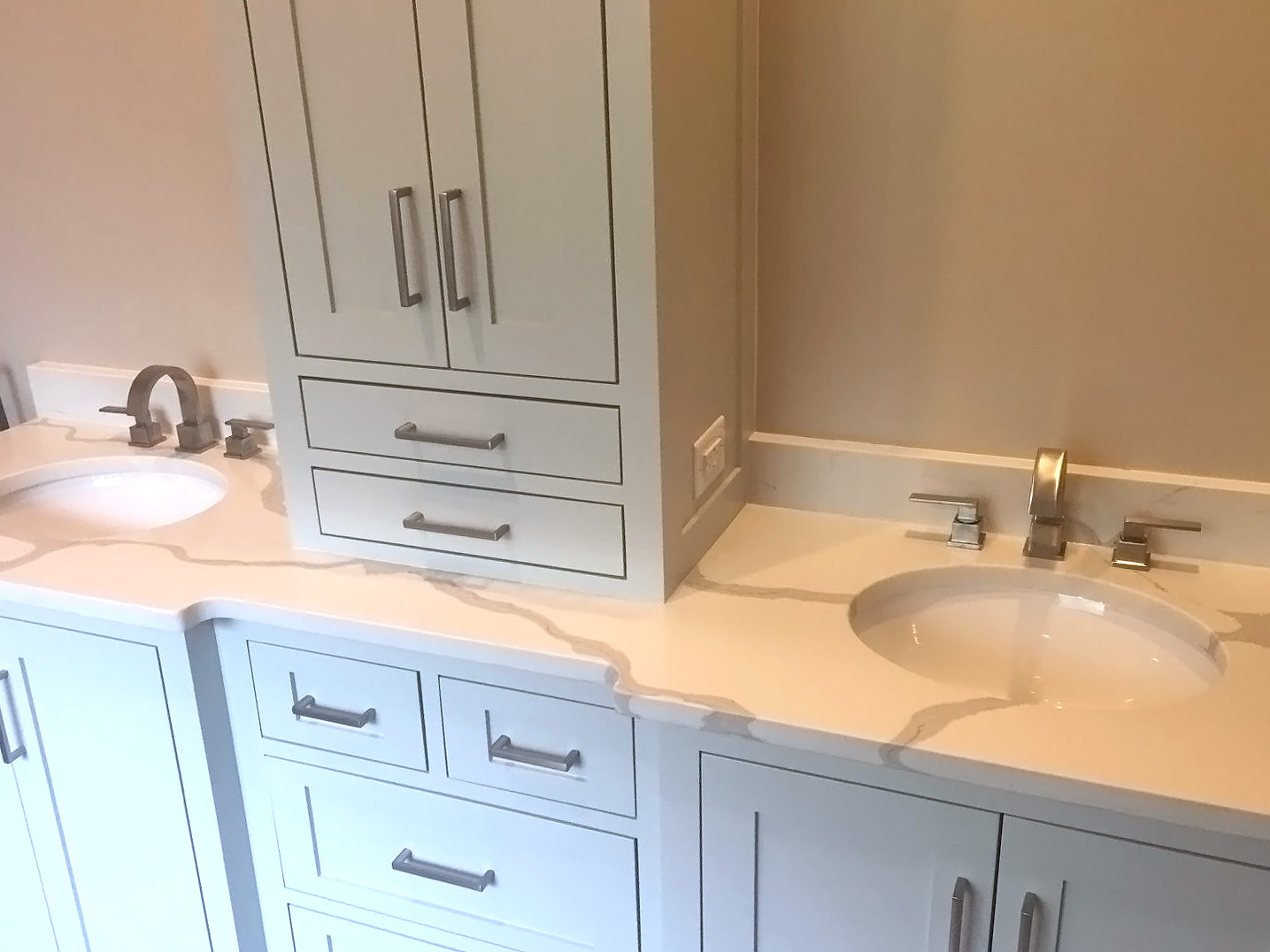 Double Vanity with Calacatta Vintage Quartz and Gray cabinets